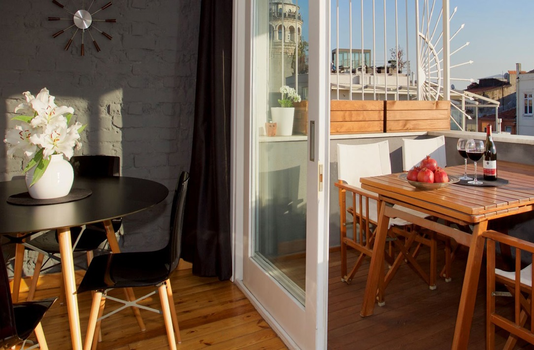 Loft Studio Flat Istanbul Apartment for Rent with Private terrace in Galata