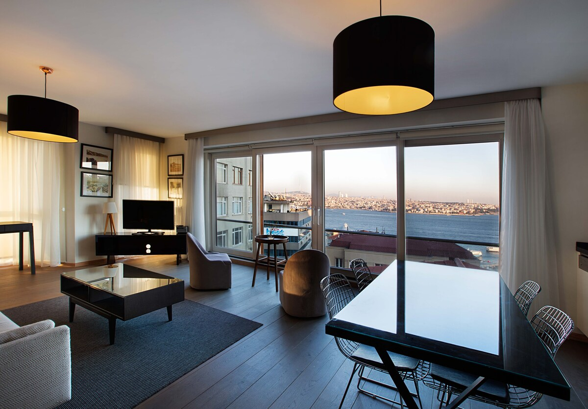 1 BED Istanbul apartment for rent in Gumussuyu Taksim with balcony and bosphorus views